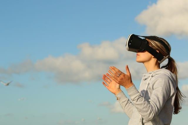 איך לפתח מציאות מדומה בתקציב שפוי